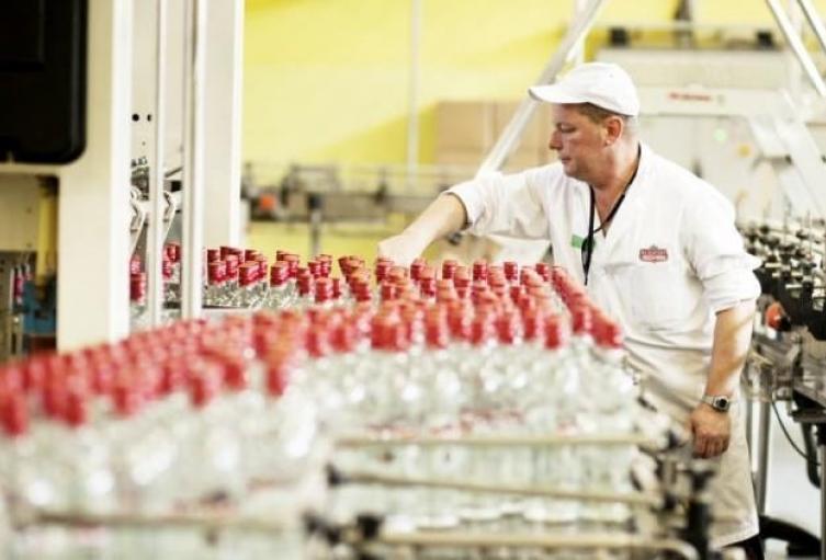 La Fábrica de Licores del Tolima va producir alcohol antiséptico al 70%, alcohol glicerinado