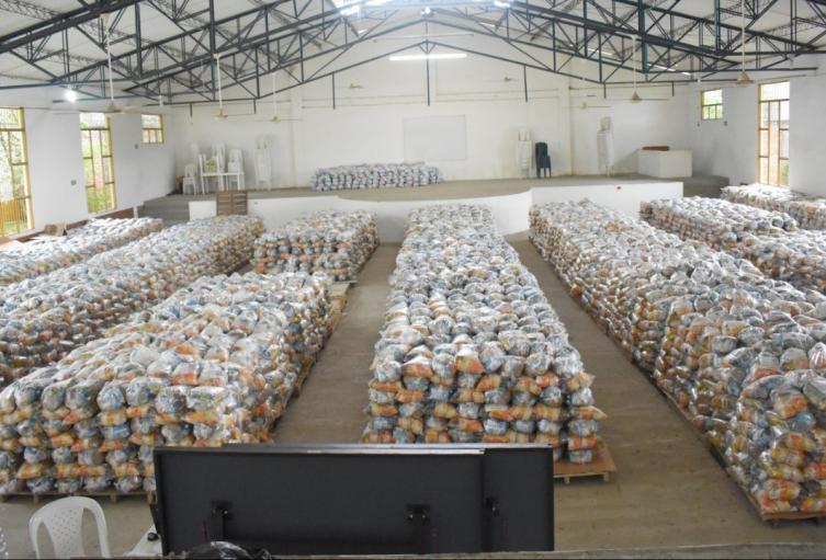 Se dio inicio a la entrega de 17.883 mercados, dirigido a 5.961 familias, más del 70% de la población del municipio