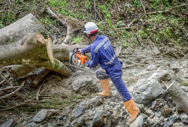 Realizarán obras de mitigación en el Cañón del Combeima tras desbordamiento de una quebrada