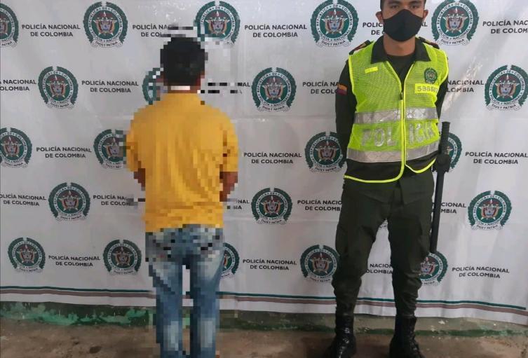 Circular Roja de la Interpol  por el delito de acceso carnal abusivo