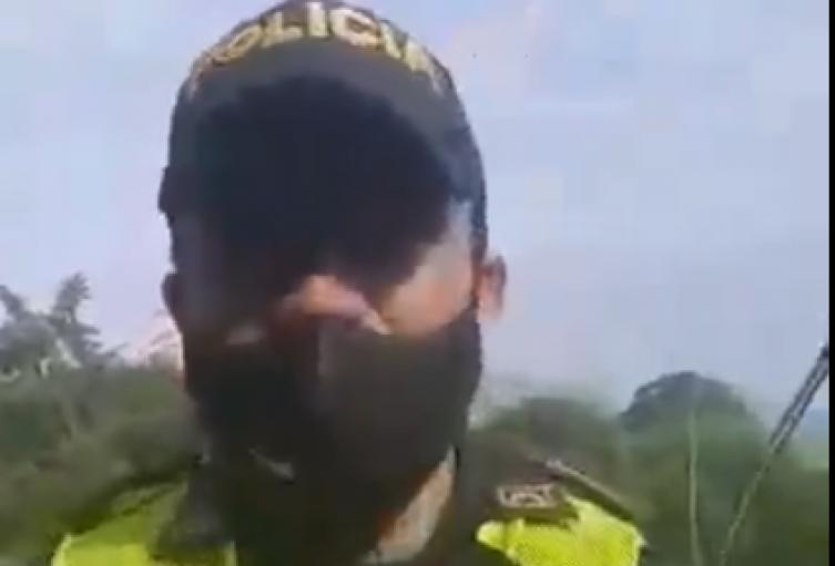 Patrullero Ángel Zúñiga, quien se negó a cumplir una orden de desalojo por razones humanitarias.