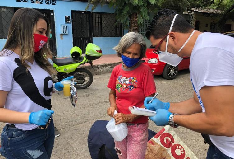 Kits de bioseguridad fueron entregados a habitantes de calle en Neiva