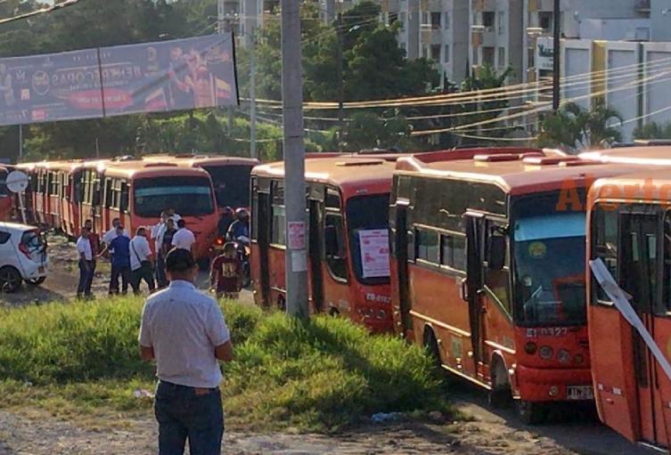 Marcha de buseteros en Ibagué