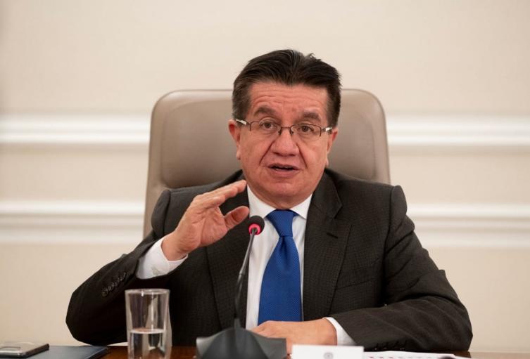 Ministro de Salud Fernando Ruiz