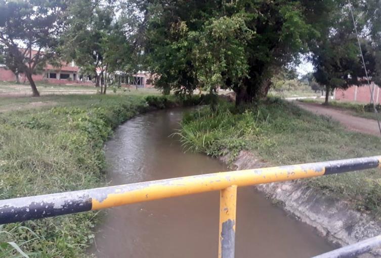 ¡Emergencia! Niño de tres años cayó a un canal de riego en El Espinal