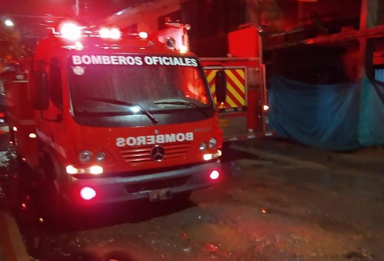 Incendio estructural en el barrio Remansos