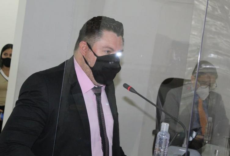 Reelegido con 14 votos positivos de 15 posibles, como Secretario general, el profesional en Derecho Luis Enrique Suárez Romero