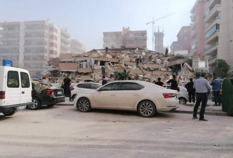 Turquía sacudida por Terremoto
