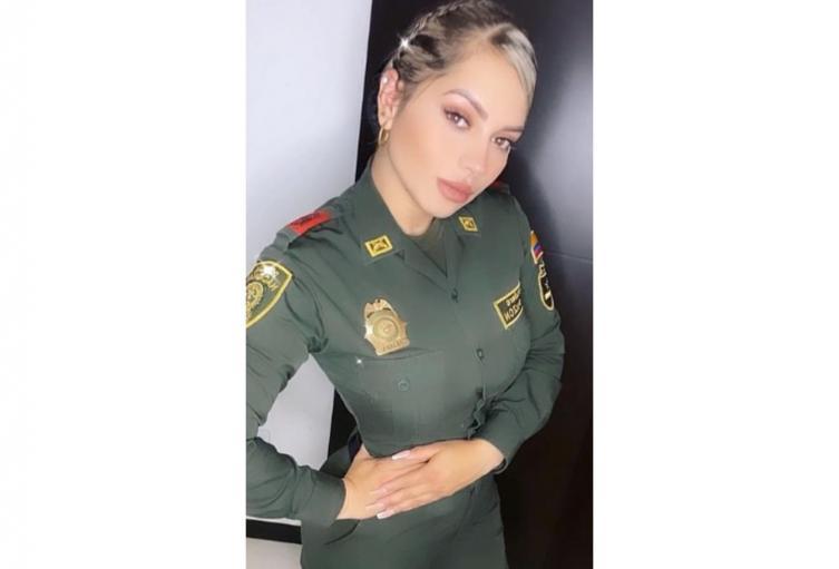 Alexa Narváez, joven policía