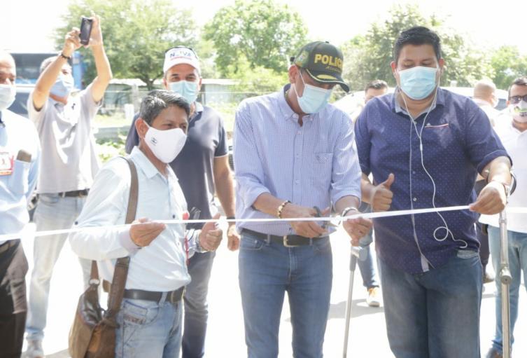 El Alcalde inauguró oficialmente tres vías de los 7 km que se pavimentaron en la vigencia 2020