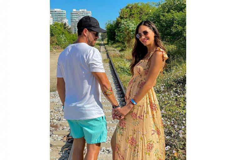 Valerie Domínguez y Juan David Echeverry serán papás