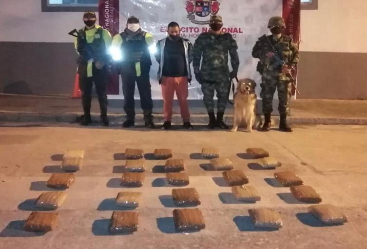 Hallan otros 25 kilos de marihuana en un bus intermunicipal sobre el puente de Cajamarca