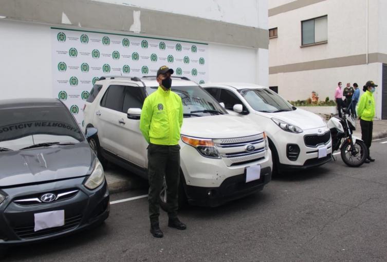Recuperan tres automóviles y una moto que habían sido robados en Ibagué