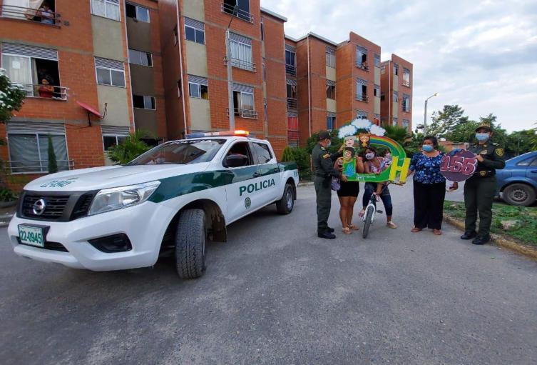 Policía Tolima lleva oferta institucional al municipio de El Espinal.