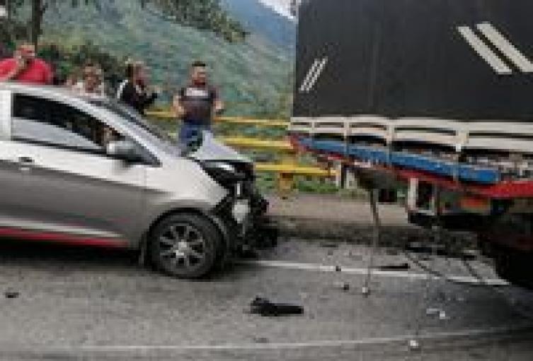 Conductor imprudente chocó al hermano y familia de alcaldesa de Rioblanco en Cajamarca