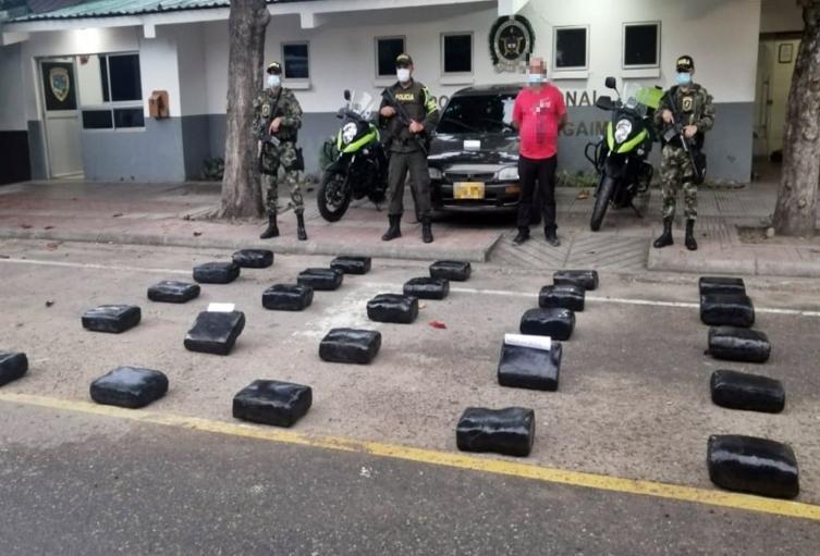 Incautaron tremendo alijo con 129 kilogramos de marihuana que movilizaba un sujeto en un vehículo en carreteras de Coyaima