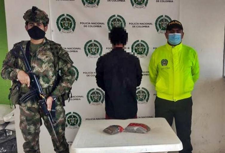 ¡Mira ve! Cogieron al 'Caleño' cargadito de marihuana en Alpujarra