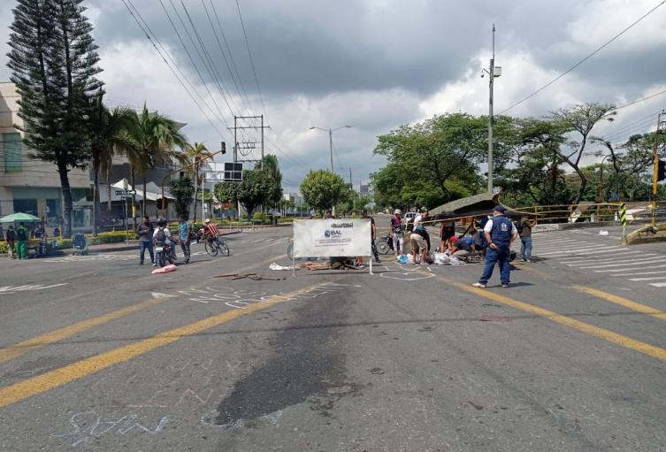 Cierre de la calle 60 con carrera quinta en Ibagué