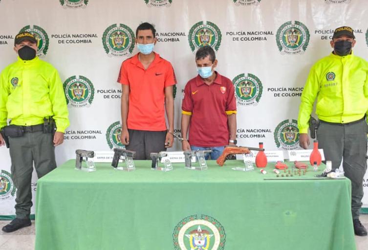 Fueron capturadas dos personas e incautadas 5 armas de fuego