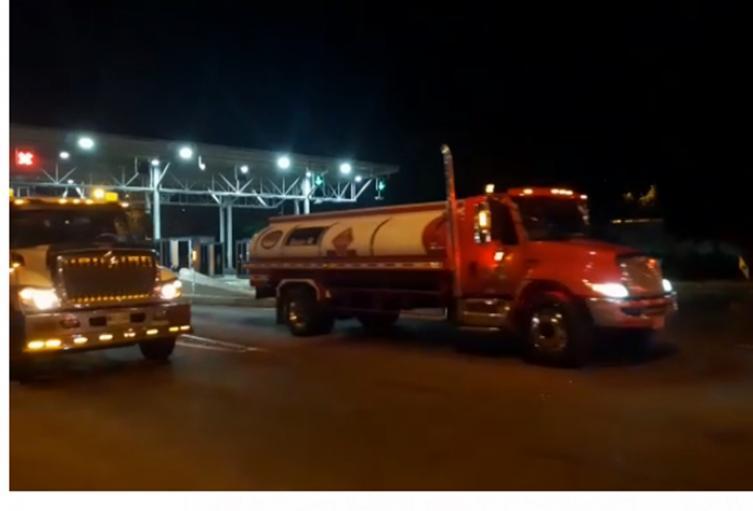 Ejército y Policía acompañan los carrotanques para el abastecimiento de combustible