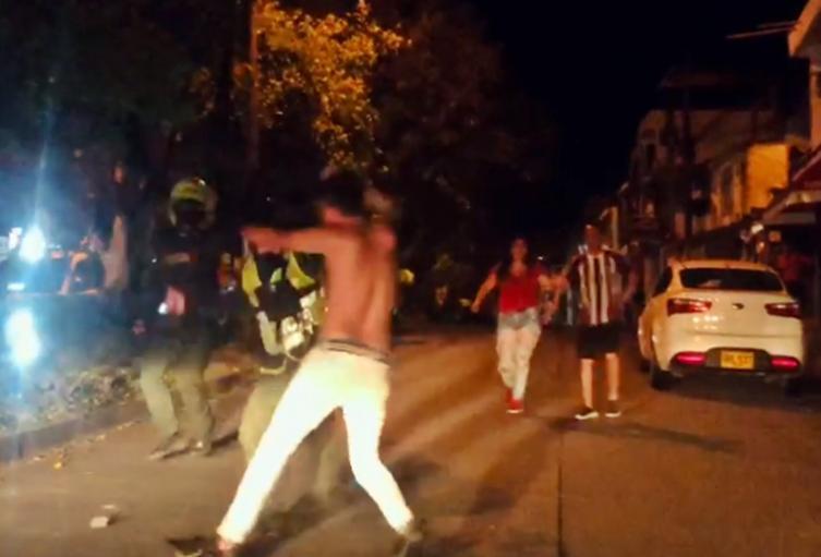 Controlaron a borracho con machete por las calles de la Ciudadela Simón Bolívar en Ibagué