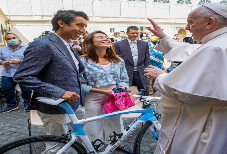 Egan Bernal y el Papa