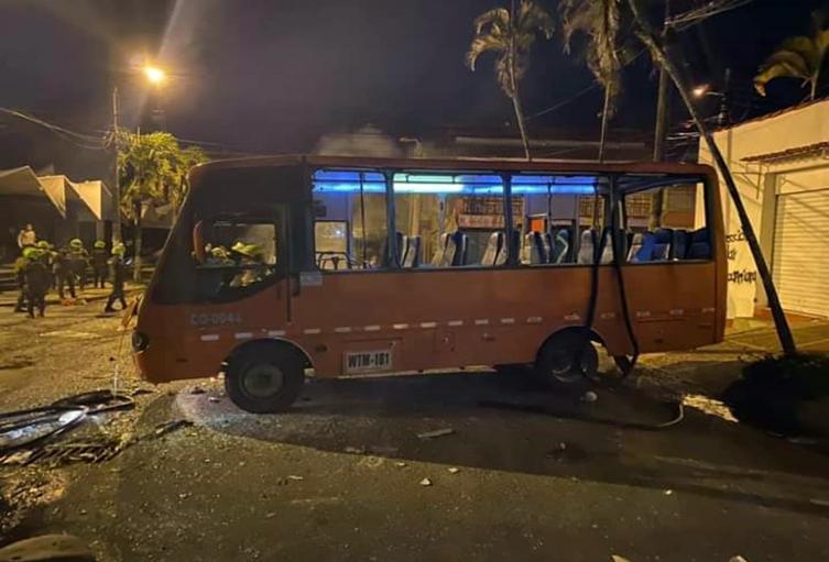 Busetas quemada en Ibagué 8 de junio