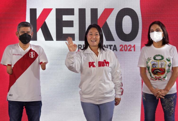 Keiko Fujimori puntea en las elecciones en Perú