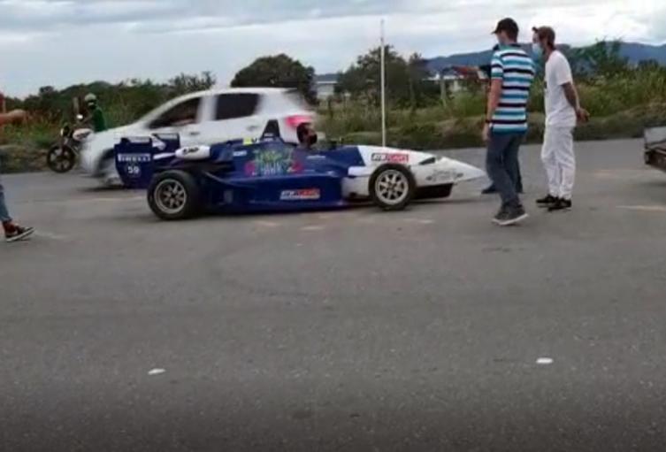 Carro Fórmula 3 en Ibagué