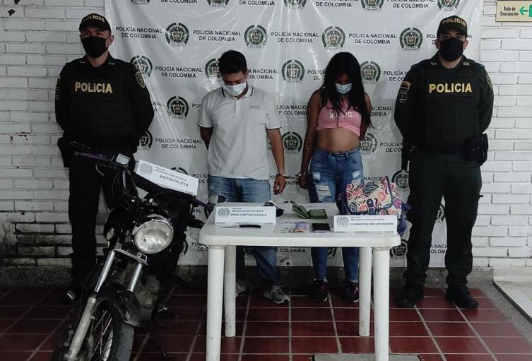 Capturaron a pareja cuando pretendían robarle un bolso a una mujer