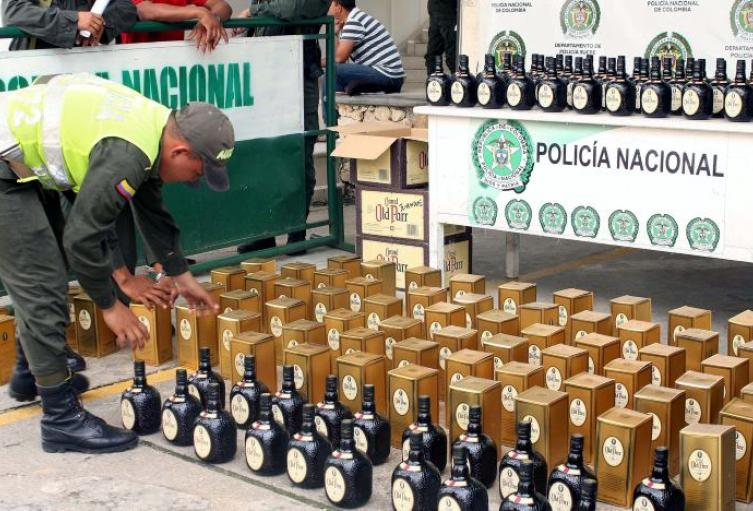 Decomisan licor de contrabando en el peaje Neiva
