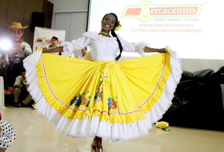 190Valentina-Girón-Srta.-Comunidad-Afrodescendiente.png