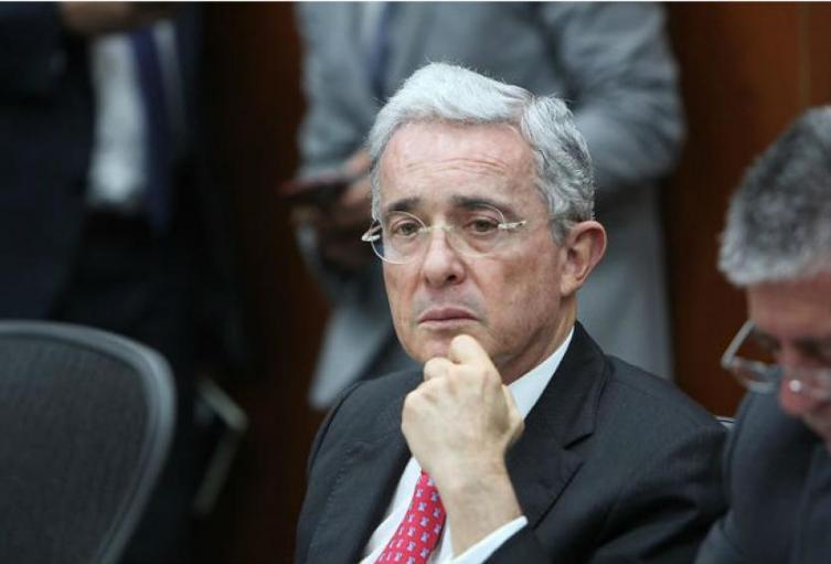 Alvaro-Uribe-Colprensa.jpg
