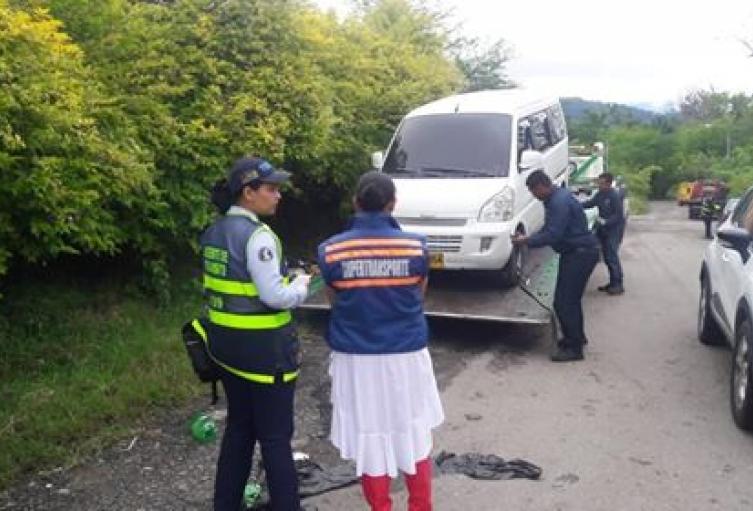 Autoridades-sancionan-vehículos-escolares-que-prestaban-servicio-ilega.jpg