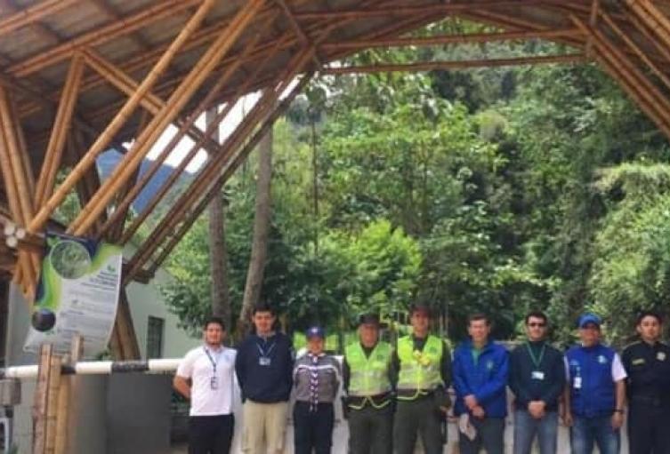Turistas-continúan-visitan-Reserva-Forestal-Protectora-Regional-Alto-Combeima.jpg