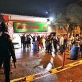 Estudiantes e hinchas del Tolima protestaron bajo la lluvia