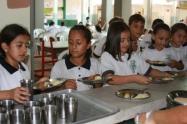 Actualmente, 243 mil menores reciben la alimentación escolar en Antioquia.