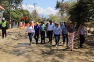 El gobernador Óscar Barreto Quiroga, verificó el avance de pavimentación de la vía Ibagué - Rovira