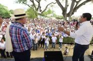 Pinto y Álvaro Uribe Vélez recorrieron los municipios de Mariquita, Ataco, Coyaima, Espinal e Ibagué