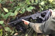 Fusil deportivo y elementos de camuflaje fueron encontrados en Armero Guayabal