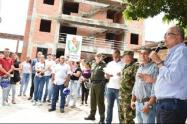 El mandatario seccional advirtió que el proyecto de vivienda fue contratado por el gobierno anterior