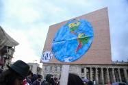 Movilización por la lucha contra el cambio climático en la Plaza de Bolívar de Bogotá