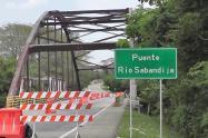 El contrato se suscribió para el desmonte, traslado e instalación del puente ubicado sobre el río Sabandija a la quebrada Seca