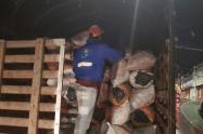 Incautación de cerca de 100 bultos de carbón vegetal