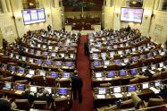 Este proyecto, surge de la acumulación de tres proyectos de ley radicados en el Congreso