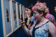 El ingreso a las exposiciones son gratuitas con una manilla de cortesía que se reclama en la entrada del Museo