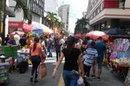 En Ibagué según cifras de la alcaldía, en la ciudad actualmente existen aproximadamente 1200 vendedores informales