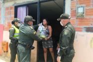 Policía entrega mercados en el Tolima