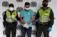 Capturado por golpear a un policía en plena cuarentena