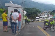 Sicario asesinó a un hombre frente al hospital Federico Lleras Acosta